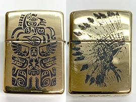 金属製のZippoの両面にデザイン刻印